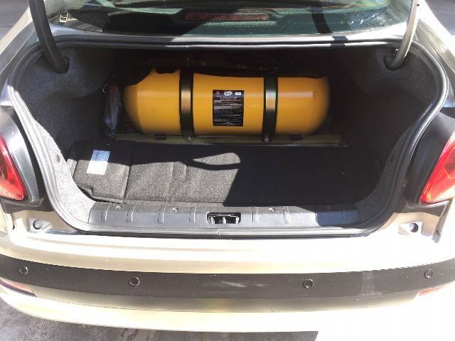 Peugeot 207 XS Aut GNV 5ª G 16m3 Muito Novo de Mulher - Foto 2