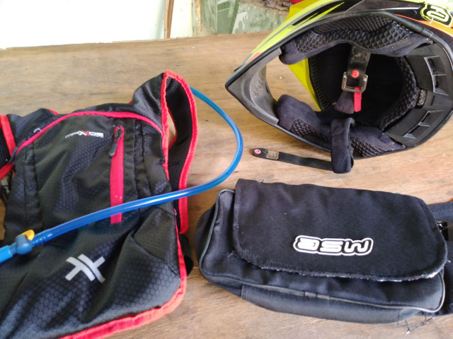 Capacete asw mais mochila de hidratação e bolsa de ferramentas  - Foto 4