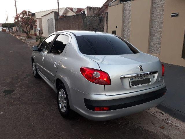 Vendo Peugeot 207 XR 1.4 Sedã Passion 2011 Flex - Foto 3