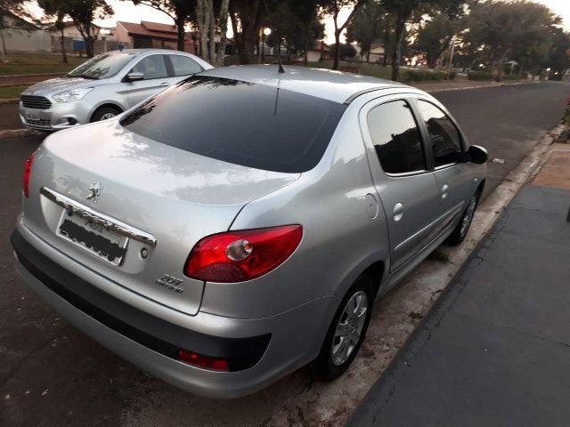 Vendo Peugeot 207 XR 1.4 Sedã Passion 2011 Flex - Foto 6