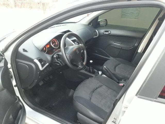 Vendo Peugeot 207 XR 1.4 Sedã Passion 2011 Flex - Foto 5