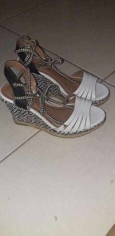 Sandália de amarrar de saltinho  - Foto 2