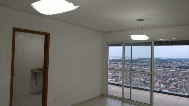 Aluga-se apartamento com 3 suítes, varanda com ótima vista para Baía do Guajará - Foto 5