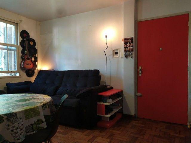 Apto 2 quartos grande e garagem - Foto 2