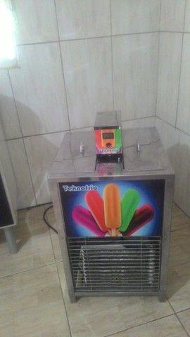 Vendo uma máquina de sorvete de massa e outra de picolé semi nova - Foto 3