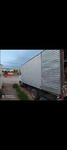 Vendo ou troco caminhao 8 140 /99 - Foto 3