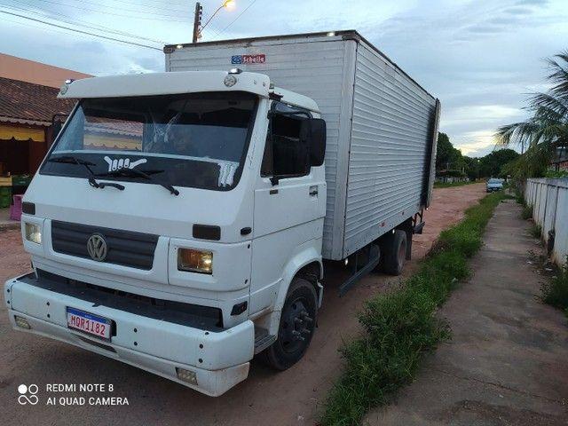 Vendo ou troco  caminhão 8 140 /99 - Foto 5