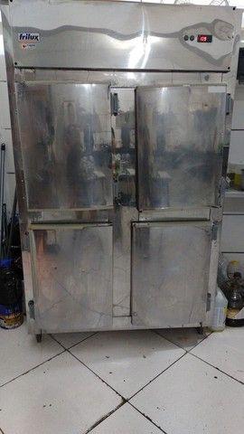 Refrigerador industrial 4 portas Frilux - Foto 2
