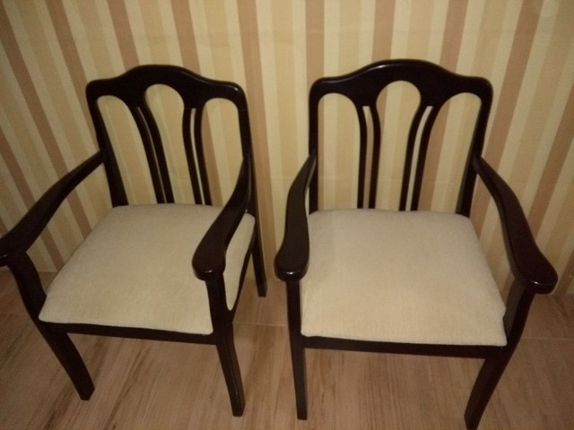 Duas cadeiras semi nova   - Foto 2