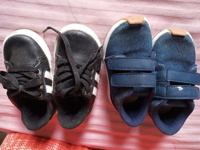 Vendo dois pares de sapato t 21 - Foto 2