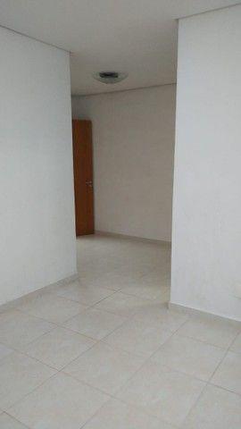 Aluga-se apartamento com 3 suítes, varanda com ótima vista para Baía do Guajará - Foto 9