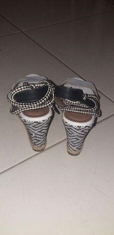 Sandália de amarrar de saltinho  - Foto 3