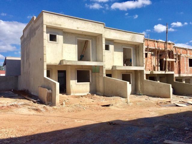SOBRADO EM CONDOMÍNIO no bairro Xaxim, 3 dorms, 2 vagas - 363-s