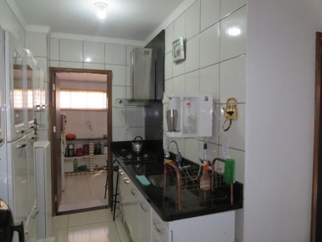 Vendo casa 3 quartos, uma suíte com churrasqueira. Estudo troca apartamento 3 quartos - Foto 13