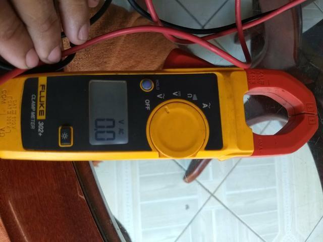 Vendo amperímetro FLUKE 302 - Foto 2