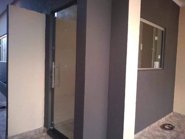 Casa Nova de meio lote Minha Casa Minha Vida (Todas as portas e janelas de blindes) - Foto 10