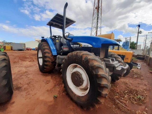 Trator New Holland TM 150 ano 2003 - Nova Andradina - MS