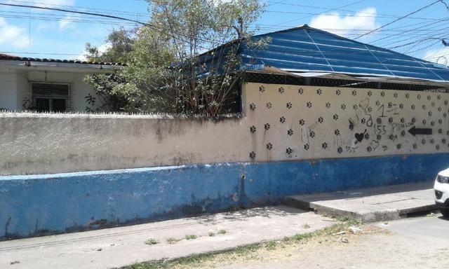 Casa em afogados com 5 quartos - Foto 6