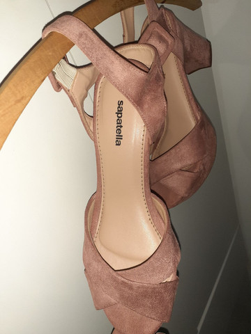 Sandálias diversas tamanho 35