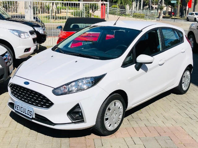 Ford Fiesta hatch 1.6 flex completo 2018