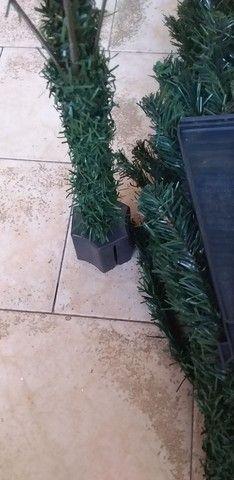 Árvore de Natal 02 peças completa com os pés  - Foto 6