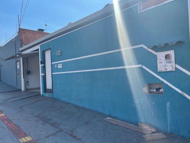 Casa atrás do mercado Pires na Guaicurus ! Pode pagar financiamento em meu nome  - Foto 3