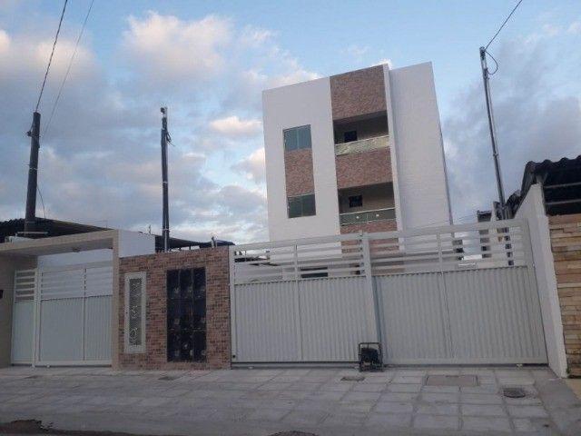 Apartamento  novo com 03 quartos no Bancários. 318-8575