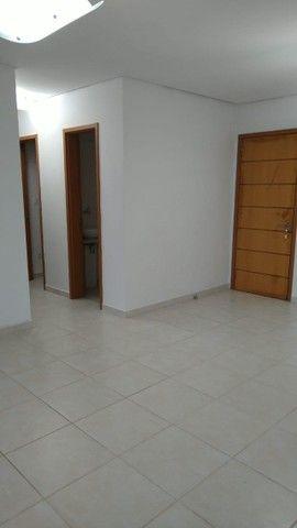 Aluga-se apartamento com 3 suítes, varanda com ótima vista para Baía do Guajará - Foto 6