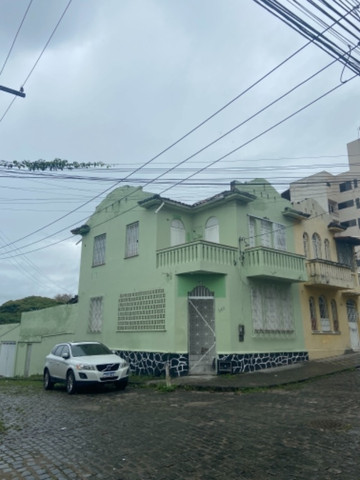 Alugo casa casarão serve p comercio ou moradia - Foto 4