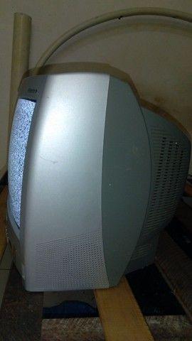 "Vendo TV funcionando perfeitamente de de 14""polegadas  - Foto 2"