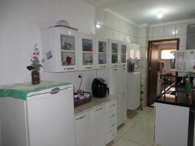 Vendo casa 3 quartos, uma suíte com churrasqueira. Estudo troca apartamento 3 quartos - Foto 11