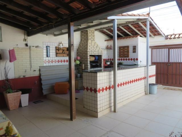 Vendo casa 3 quartos, uma suíte com churrasqueira. Estudo troca apartamento 3 quartos - Foto 3