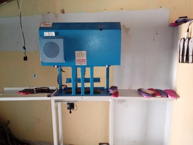 Vendo ou troco maquina automática fazer chinelos compacta print - Foto 4