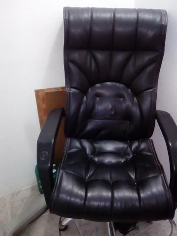 Cadeira pra escritório semi novo - Foto 2