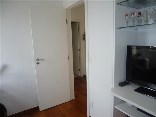 Ótimo Apartamento 3 quartos, prédio revestido, elevador,2 vagas - B.Buritis - Foto 13