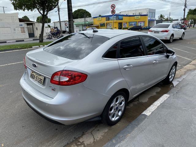 New Fiesta Sedan 1.6 SE - 2012 - Foto 2