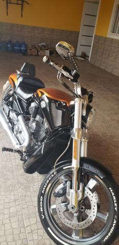 Harley Davidson V-Rod Muscle 1250 cc - Foto 8