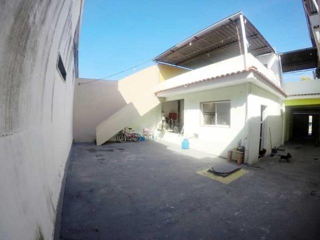 Otima casa com 2 quartos + 3 vagas + Terraço - Foto 2