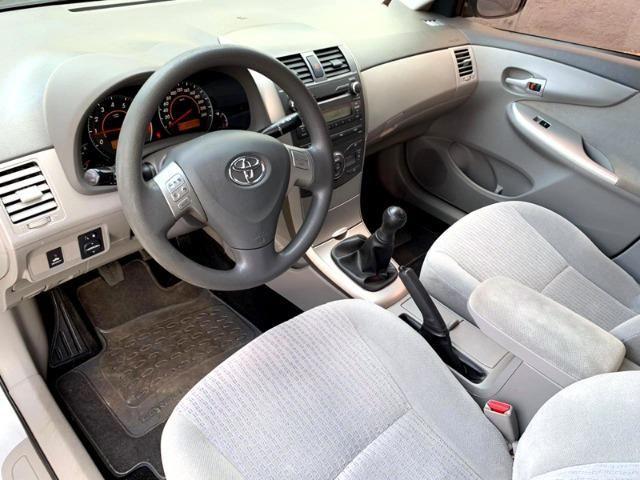 Toyota Corolla 1.8 GLi 10/10 Mecânico Completão, Só de Brasília, Chave Reserva e Manual - Foto 8