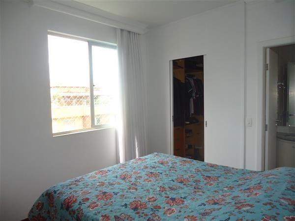Ótimo Apartamento 3 quartos, prédio revestido, elevador,2 vagas - B.Buritis - Foto 7