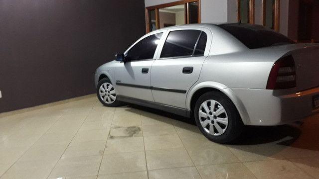 Astra Sedan super conservado