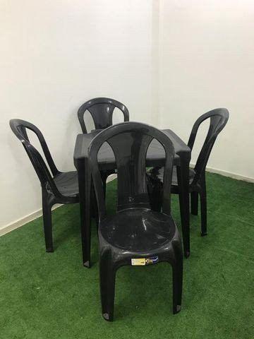 Mesa com cadeira de plastico - Foto 3