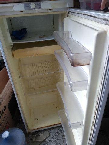 Vendo fogão e geladeira juntos  - Foto 2