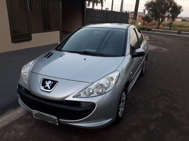 Vendo Peugeot 207 XR 1.4 Sedã Passion 2011 Flex - Foto 8