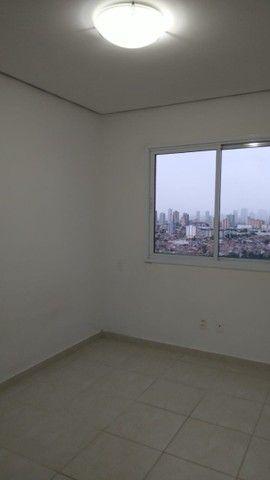 Aluga-se apartamento com 3 suítes, varanda com ótima vista para Baía do Guajará - Foto 17