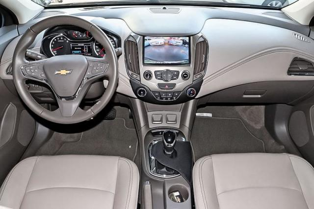 CHEVROLET CRUZE LTZ II HB AT - Foto 5