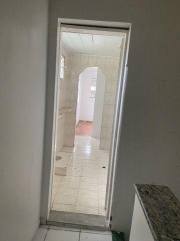 Alugo casa casarão serve p comercio ou moradia - Foto 9