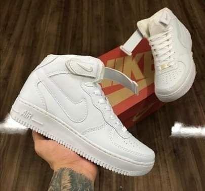 Tênis Nike air force one cano baixo