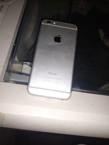 Vendo ou troco iPhone 6 128 gigas funcionando perfeitamente bateria 100 por cento.