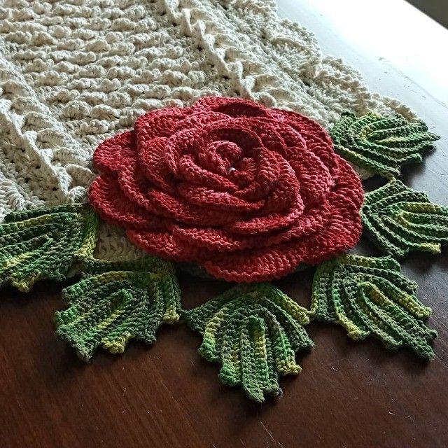 Caminho de mesa em crochê  - Foto 2